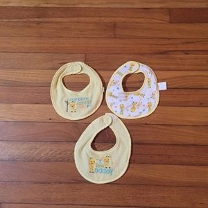 Other - 3 piece giraffe bib set